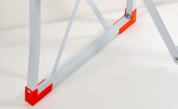 Sgabello pieghevole in acciaio gradini portatile e resistente