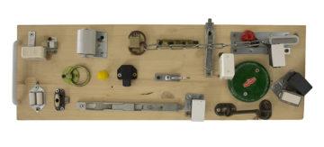 Come costruire un pannello montessoriano delle chiusure