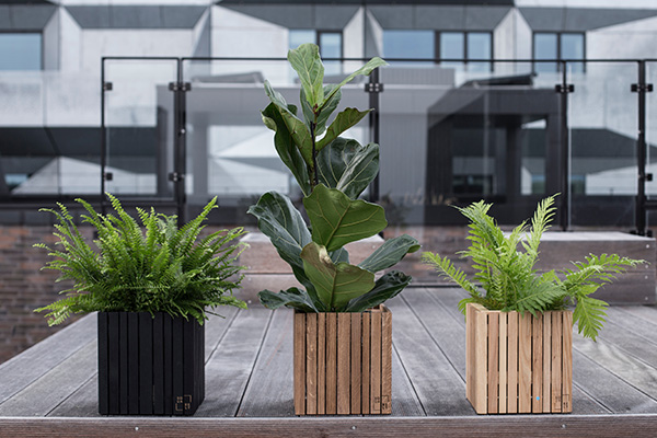 Come costruire una fioriera in legno con i pallet for Costruire fioriera legno
