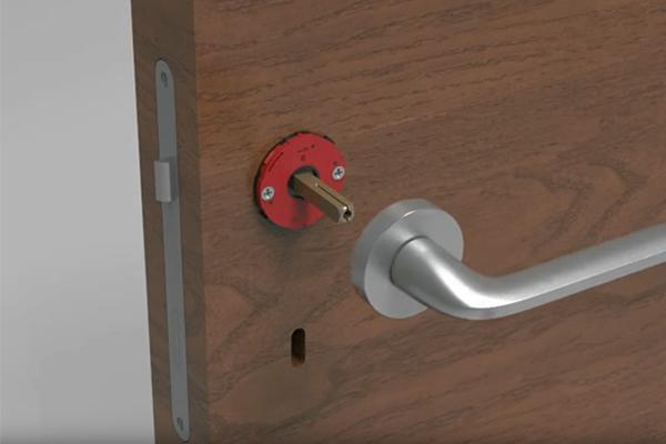 Come montare una maniglia per porta